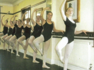 Photo - Pupils studying classical ballet to ISTD standard